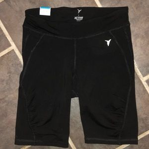 Active Women's sexy fitted Go Dry Shorts NWT